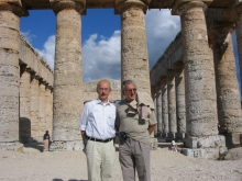 Ф.Т. Алескеров с профессором  Гамбургского Университета (Германия) Ф.Пукельсхаймом на семинаре в Сицилии